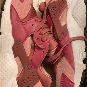 Wine and Pink huaraches size 4.5